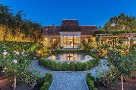 amazingly beautiful outdoor gardens