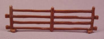 Ertl Brown Connectible Fence 1 64 Scale For Ranch Or Farm Sets Rons Rescued Treasures
