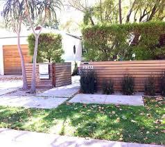 54 Amazing Low Maintenance Front Yard Landscaping Ideas In 2020 Modern Front Yard Front Yard Fence Front Yard Landscaping