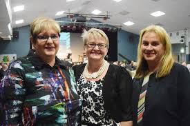 Karen Donohoe, Lesley West and Jenny Manley at the Ag-Grow ...   Buy Photos  Online   CQ News