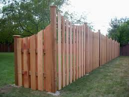 Transitioning 6ft Privacy Fence To 4ft Privacy Fence Scalloped Alternation Board Transition Fence Design Backyard Privacy Privacy Fence Designs