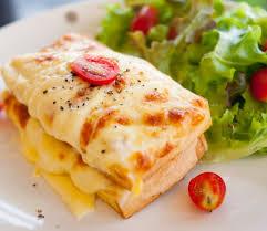 Francuski tost z szynką zapiekany z serem Gouda - Przepisy ...