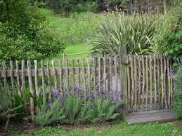 Pin By Karen Wertman On Farm Yard Pinterest Natural Fence Rustic Garden Fence Garden Fence
