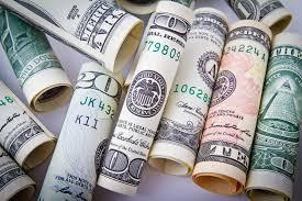 Lei dispõe sobre o tratamento tributário da variação cambial do valor de investimentos realizados por instituições financeiras em sociedade controlada estabelecida no exterior