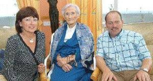Kate (103) celebrates birthday with a tune on her melodeon - Independent.ie