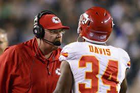 Knile Davis broke his leg in the Chiefs playoff loss - Arrowhead Pride