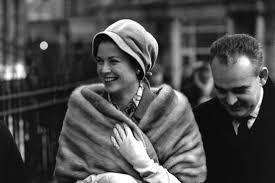 Il 12 novembre Grace Kelly avrebbe compiuto 90 anni: le immagini rare tra  flirt e film - Moda - D.it Repubblica