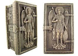 25 romantic bronze anniversary gifts