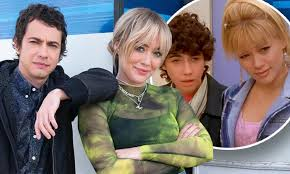 Hilary Duff confirms Adam Lamberg's return to the Disney+ reboot ...