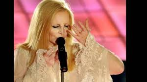 Patty Pravo - SENTIMENTO - LIVE ARENA DI VERONA - YouTube