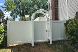 What To Look For When Choosing A Vinyl Pvc Fence Montgomery County Pa Commercial Residential Fencing