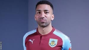 Aaron Lennon: Burnley sign winger from Everton for undisclosed fee - BBC  Sport