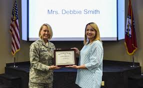 Debbie Smith wins Key Spouse award > 188th Wing > News Articles
