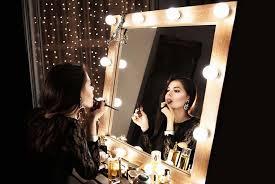 makeup mirrors with light bulbs