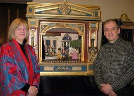 Arline Smith and Alan Sharpe with the Pyramus and Thisbe stage at the  Chica… (With images) | Pyramus and thisbe, Toy theatre, Paper theatre