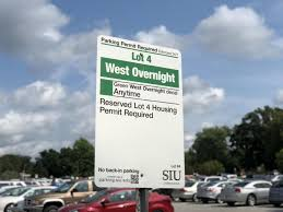Parking Lot South Of Communications Building Changed To Green Decal Lot Daily Egyptian