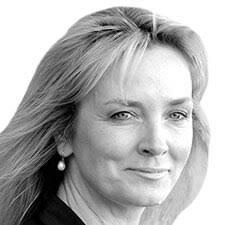 Sally Parker | Gartner Data & Analytics Summit 2020 in Tokyo