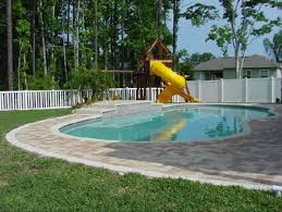 The Advantages Of A Vinyl Pool Fence Best Fence Rail Of Florida