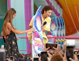 Jessica Alba, Zendaya Coleman - Jessica Alba Photos - FOX's Teen Choice  Awards 2019 - Show - Zimbio