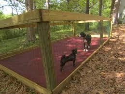 How To Construct A Shaded Dog Run Diy Dog Kennel Diy Dog Run Dog House Diy