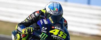 Valentino Rossi e il casco per Misano con la pillolina blu - MotorBox