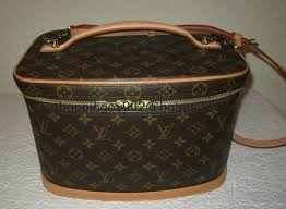 louis vuitton cosmetic bag with strap