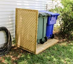 Simple Diy Way To Hide Your Trash Cans Diy Privacy Screen Outdoor Trash Cans Hide Trash Cans