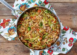 stir fry noodles with en and