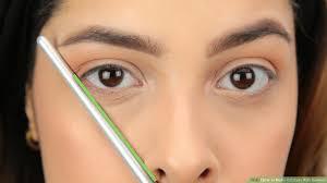 cat eye makeup with liquid eyeliner