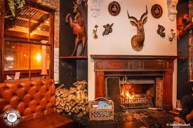 cosy restaurants with fireplaces in