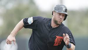 Tigers trade Bryan Holaday to Rangers for Bobby Wilson, Myles Jaye