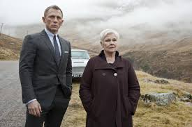 Judi Dench Could Nab an Oscar as Queen ...