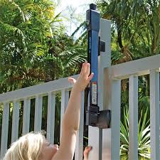 Magnalatch Pool And Child Safety Gate Latch Lock Bunnings Warehouse