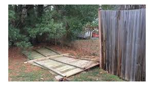 Repairing A Broken 6 Tall Wooden Stockade Fence Handmade Crafts Howto Diy 1001 In 2020 Stockade Fence Modern Diy Modern Design