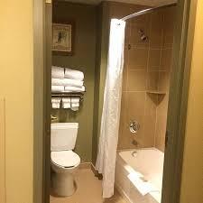 suite has retractable clothesline