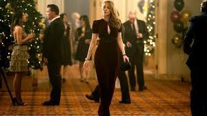 The dress in bordeaux velvet of Adaline Bowman (Blake Lively) in The Age of  Adaline | Spotern
