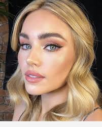 green eyes blonde hair makeup