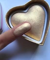 beauty highlighter heart golden dess