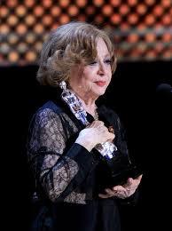 """En tanto la veterana actriz mexicana Adriana Roel tampoco pudo evitar  llorar al obtener el premio a la mejor actriz por el personaje de Dolores  en la cinta """"No quiero dormir sola"""""""