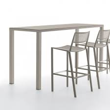 fast easy outdoor bar table
