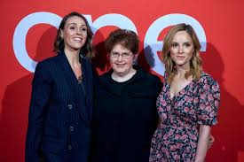 YT: Suranne Jones, Sally Wainwright And Sophie Rundle In Halifax