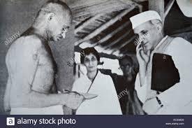 Il Mahatma Gandhi e Jawaharlal Nehru, a Sevagram un villaggio ...