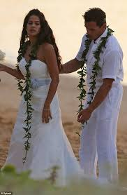 Antonio Sabato Jr sweeps new bride Cheryl Moana Marie off her feet during  intimate wedding ceremony in Hawaii | Daily Mail Online