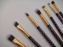 bh cosmetics 11 pieces pink a dot brush