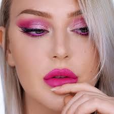 ooh la la bright pink eyeshadow