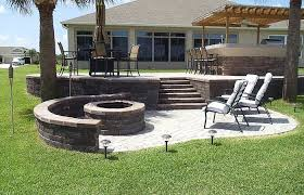 paver outdoor patio with fire pit