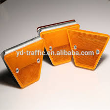 2020 Ce Road Reflector Traffic Safety Products Guardrail Reflector Guardrail Delineator Fence Buy Guardrail Fence Post Reflectors Delineator Post Product On Alibaba Com