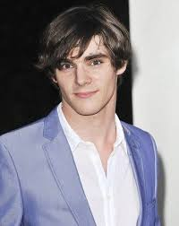 RJ Mitte from Breaking Bad. The eyes. | Pretty people, American actors,  Breaking bad