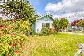 Καλαίσθητο σπιτικό εξοχικό σπίτι με κλειστή αυλή - με τα πόδια σ ...