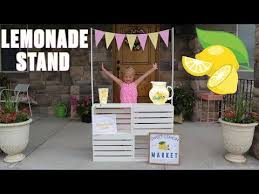 a lemonade stand diy with wood pallets